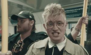 joost in een videoclip met donnie