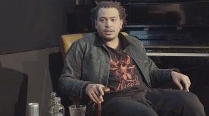 fresku tijdens een interview