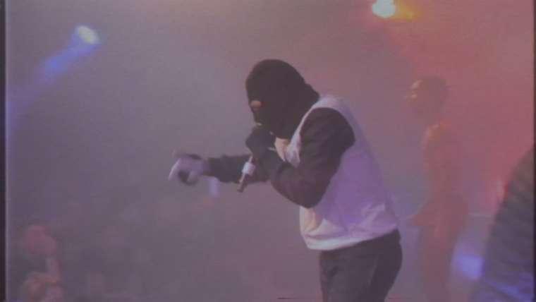 killer kamal tijdens een optreden