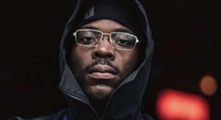 rapper mensa in een clip