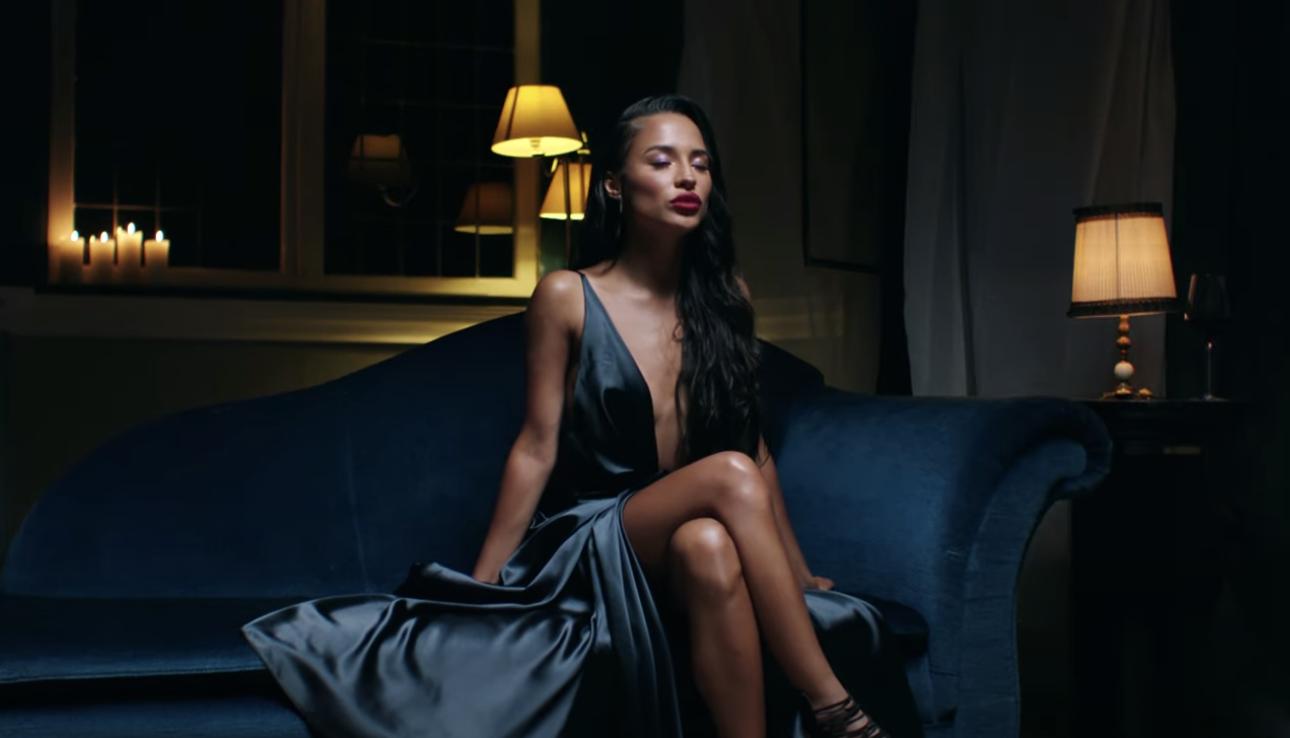 yade lauren in een videoclip